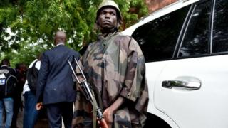 Mali askeri