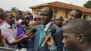 Uwuburanira Besigye