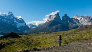 El sur de Chile ofrece espectaculares paisajes como el Parque Nacional Torres del Paine.
