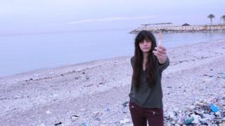 """""""回收黎巴嫩""""的肯迪(Joslin Kehdy)說,我們都應該幫助這個國家擺脫垃圾危機。"""