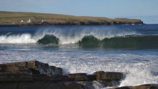 Waves at Thurso