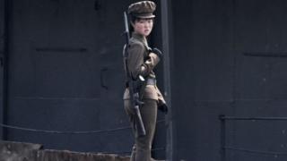 ઉત્તર કોરિયાઇ મહિલા સિપાહીની તસવીર