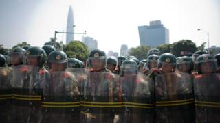 趙鑫一案發生後,有報道指瀘縣市民與警方爆發衝突。