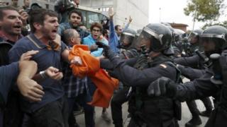 police dey attack people wey go vote