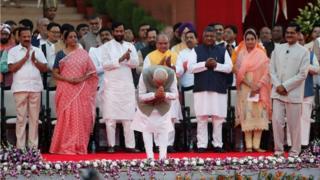 Modi greets crowd at swearing in