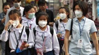 ထိုင်း၊ မီးခိုးမြူ၊ စာသင်ကျောင်း