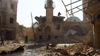 أثار قصف باستخدام البراميل المتفجرة