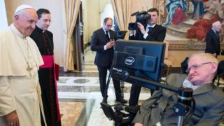 El papa Francisco y Stephen Dawking