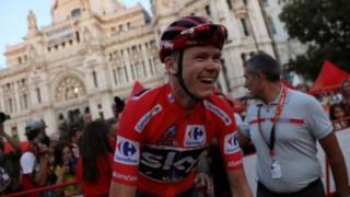 Chris Froome, quatre fois vainqueur du Tour de France, est vainqueur du tour d'Espagne 2017.