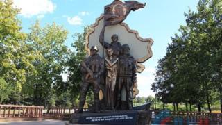 Памятник ополченцам в Луганске с момента открытия взрывали уже дважды