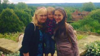Jess with mum Susanna and daughter Alissia