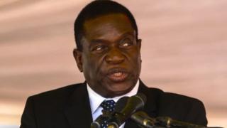 Emmerson Mnangagwa promet d'élucider les affaires de corruption qui ont entaché les années Mugabe.