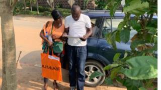 Des employés de Jumia lors d'une livraison (archives)