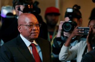 Zuma arahakana ivyo aregwa bijanye na ruswa