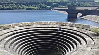 Andy Tingle on the Ladybower Reservoir plug hole