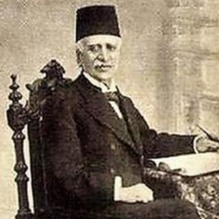 تصویر میرزا ملکم خان ناظمالدّوله که در سال ۱۲۶۸ هجری شمسی روزنامۀ «قانون» را در لندن انتشار داد