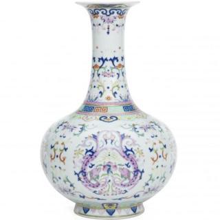 Famille Rose Chillong bottle vase