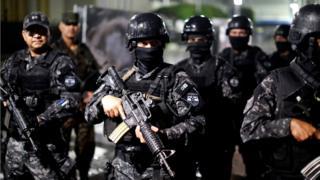 Policias de El Salvador