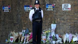 Olayın yaşandığı yerde bir İngiliz polisi