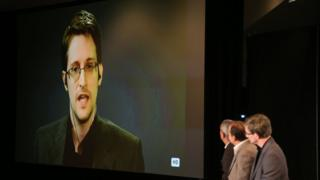Эдвард Сноуден в 2015 году