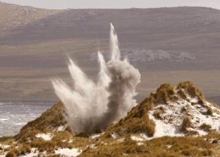 A mine is detonated near Stanley (2007)