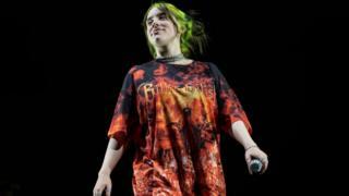 Billie Eilish en el escenario en Barcelona