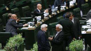 مصوبه مجلس ایران: نمایندگان بیش از سه دوره متوالی نمیتوانند نامزد انتخابات شوند - 0