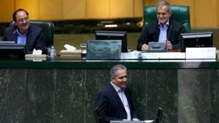 اظهارات بهروز بنیادی در مجلس ایران نطق انتقادی کم سابقه ای است