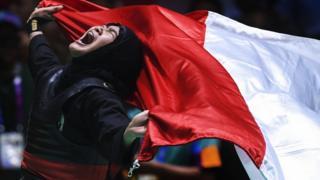 Pipiet Kamelia của Indonesia thắng vận động viên Việt Nam Cẩm Nhi ở môn pencak silat hôm 29/8