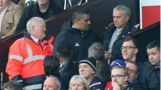 José Mourinho a été exclu à la mi-temps du match contre Burnley