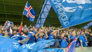 Впервые в истории Исландия принимает участие в Чемпионате мира по футболу, и страну охватила волна патриотизма
