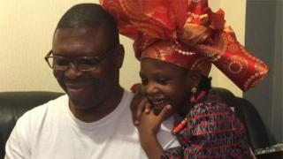 Oloogbe Diya ati ọmọ rẹ, Comfort
