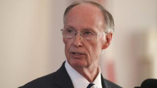 Alabama Governor Robert Bentley announces his resignation