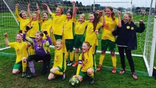 SB Frankfort under 12s girls' team