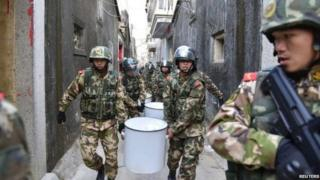 رجال أمن صينيون