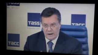 Виктор Янукович так и не свидетельствовал в процессе против себя, но несколько раз давал пресс-конференции в России