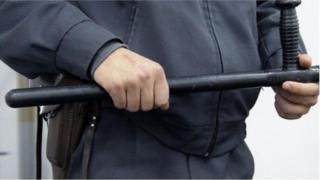 """""""Кыргызстанда милиция бөлүмүнө түшкөн ар бир үчүнчү адам кыйноолорго тушугат"""""""