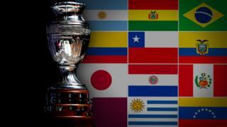 El trofeo de la Copa América.