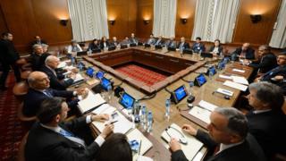 Opposition representatives attend peace talks with UN envoy Staffan de Mistura in Geneva (1 February 2016)