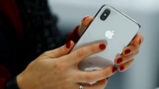 Các lý do vì sao Apple để mất hàng tỷ đôla về giá trị thị trường trong mấy tuần qua.
