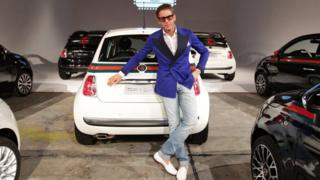 Lapo Elkann in front of a Fiat
