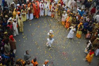 Паломники стали прибывать в Аллахабад еще до начала Кумбха Мела