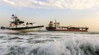 """استولت طهران على ناقلة النفط """"ستينا إمبيرو""""، التي ترفع العلم البريطاني، بالقرب من مضيق هرمز."""
