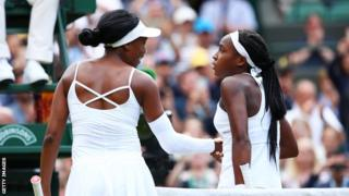 Venus Williams and Cori Gauff shake hands