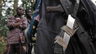 Mu burasirazuba bwa DR Congo harwanira imitwe irenga 25 harimo iy'abo mu Burundi, Rwanda na Uganda