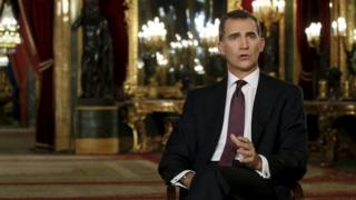 Spain's King Felipe VI delivers his traditional Christmas address at Royal Palace in Madrid (24 December 2015)