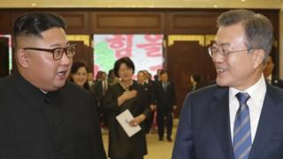 2018년 9월 19일 평양에서 만난 문재인 대통령과 북한 김정은 위원장