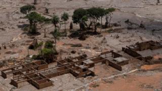 School destroyed in Bento Rodrigues, 10 November 2015