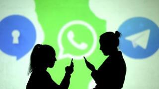 تطبيق واتس آب الأكثر شعبية بين المستخدمين للمراسلات والمكالمات الهاتفية والمحادثات الجماعية