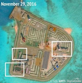 中國在南海島礁上部署軍事設施